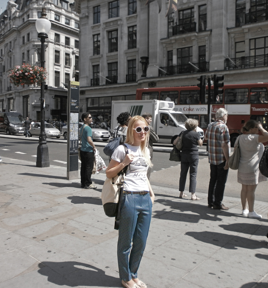 the single greatest fashion pro trick for building an outfit, baroque tile print blue gold trousers, shopping, Regent Street London