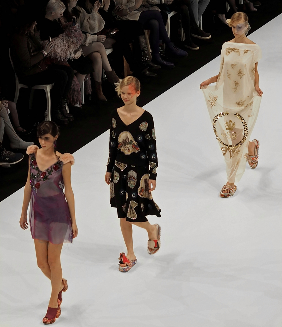 Je Suis Belle runway show ss18 catwalk fashion week central europe budapest